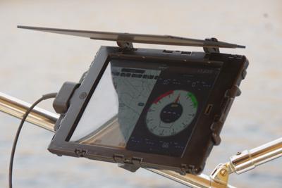 iPad sur Car Cradle en mer